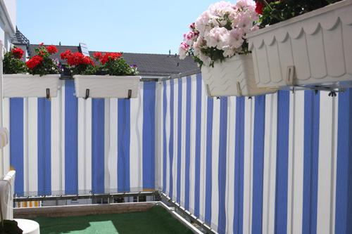 balkonumrandung als terrassen sichtschutz mit balkon. Black Bedroom Furniture Sets. Home Design Ideas